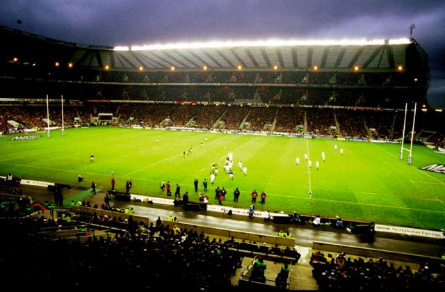5 Dec 1998: A general view of the match between England and South Africa at Twickenham in London, England. England won the game 13-7. Mandatory Credit: David Rogers /Allsport